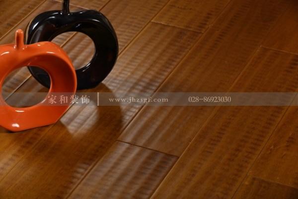 买木地板时需要注意哪些事项??家和装饰来告诉你