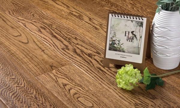 不看不知道实木地板原来是这样子成都家和装饰小编为您介绍