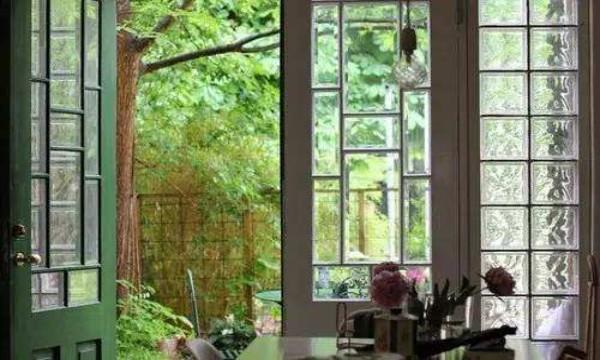 玻璃砖玻璃砖玻璃也能烧成砖,成都家和装饰为你揭秘玻璃砖的奥妙之