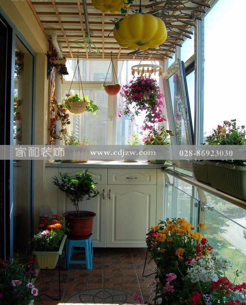 成都装修公司提醒你阳台改造花房的注意事项         阳台改造