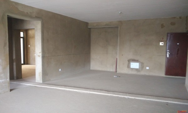 毛坯房住人可不行,成都旧房改造小编为您介绍毛坯房墙面刷漆的注意事项