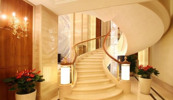 关于大别墅中楼梯的装修设计很多人都非常苦恼,成都装修这里给你规范说明