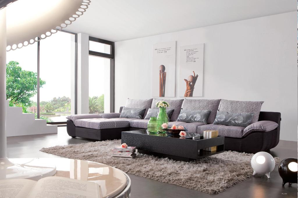 现代装修风格中应该怎么选择搭配合适的布艺沙发很让人伤脑筋啊