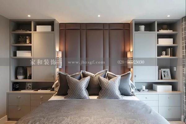 家庭装修:床头墙面这样设计代替了床头柜,又美观大气,太给力了