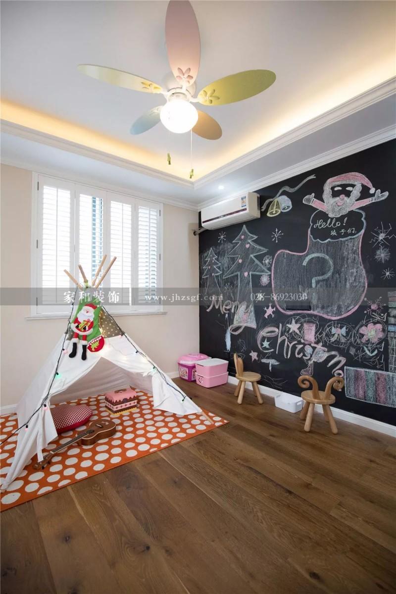 成都装修告诉您:黑板墙在室内家庭装修设计中的几大用处