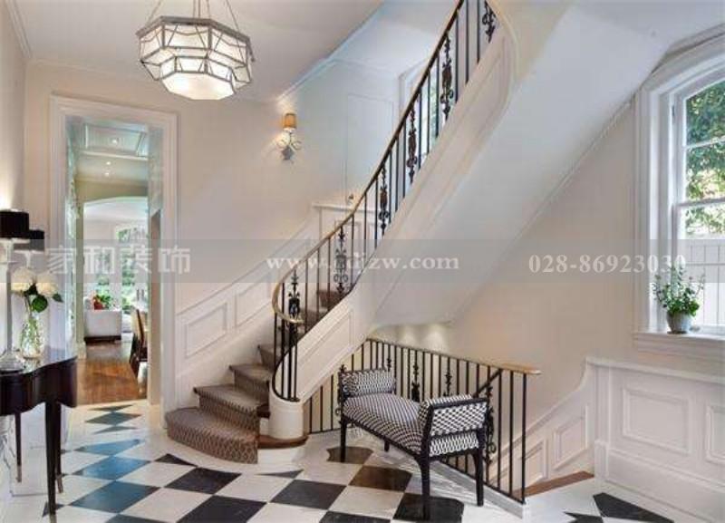 楼梯踢脚线是什么东西?成都旧房改造带你了解一下这种