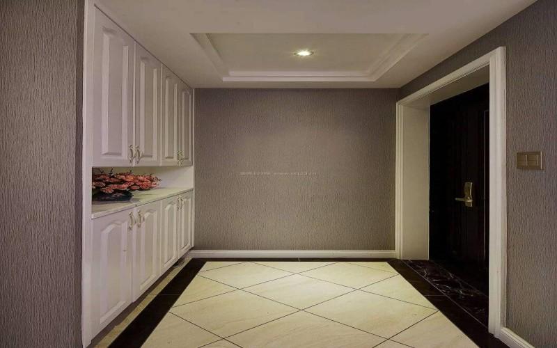 新房入住久后很多人会觉得房子越来越拥挤,成都装修小编发现主要原因还是当初装修的时候你们柜子安少了!生活越久,越会发现柜子才是性价比高的家具。当然柜子不是越多越好,合理才重要。通常来说,成都装饰小编觉得家里只要安装这5种柜子便行了,接下来一起看看吧。